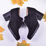 Женские замшевые туфли на шнуровке