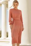 Коралловое платье с плиссированной юбкой