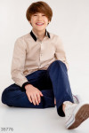 Бежевая рубашка классического кроя для мальчика