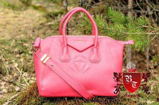 Узнаваемые брендовые сумки