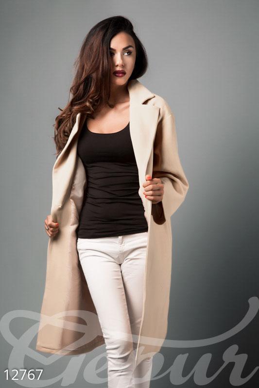 Бежевое пальто oversize
