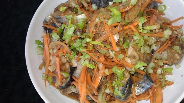 Хе из скумбрии по корейски с морковкой